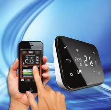 Termostat de ambient wireless si control prin internet Salus IT500